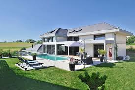chambre a louer annecy villa contemporaine à vendre à annecy salle de cinéma piscine et
