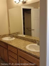 Bathroom Grants 1578 Sw Yucca Dr Grants Pass Or 97527 Rentals Grants Pass Or