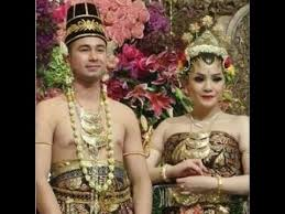 wedding dress nagita slavina live royal wedding raffi ahmad nagita slavina ritz carlton