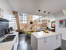 cuisine blanche ouverte sur salon cuisine contemporaine ouverte sur salon cuisine en image