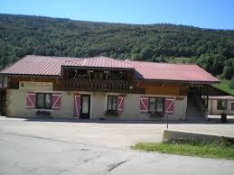 chambre d hote lelex gîte centre d accueil de thoissey chalet louis marchand à