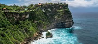 uluwatu temple on the rock cliff with stunning ocean view bali