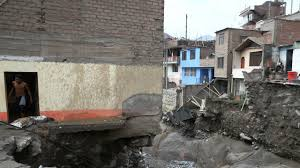 victims a powerful flood in peru have already become 72 people