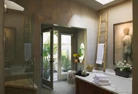 tile details lend luxury to a master bath featuring bathtub spa