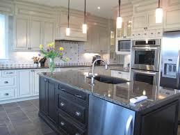 cuisine 2 couleurs cuisine 2 couleurs amazing modele cuisine avec ilot central cuisine
