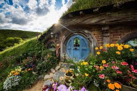 Hobbit Hole Washington by Waitomo Rotorua U0026 Hobbiton Two Day Tour