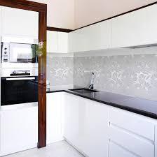 spritzschutzfolie küche kuechenspiegel kuechenrückwand und herdspritzschutz