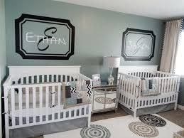 chambre de bébé jumeaux chambre bébé jumeaux fille garcon famille et bébé