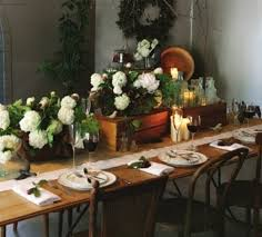 Christmas Tabletop Decoration by 24 Inspiring Rustic Christmas Table Settings Digsdigs