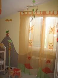 plafond chambre bébé rideau mobile plafond chambre bébé evolution travaux deco kaka