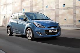 hyundai hatchback new hyundai ix20 1 4 blue drive premium 5dr petrol hatchback for