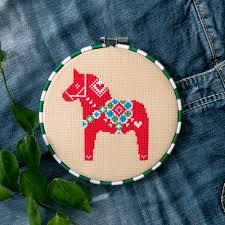 christmas cross stitch patterns swedish dala horse cross