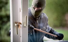 rapina in rapina in villa minacciati con pistola e picchiati