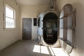 chambre à gaz chambre à gaz photo éditorial image du pièce personne 26276086
