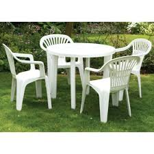 Plastic High Back Patio Chairs by Best 25 Plastic Garden Chairs Ideas On Pinterest Lawn In White
