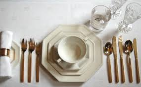 how many place settings formal table setting photos and descriptions of how to lay formal