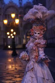 venetian masquerade costumes le maschere carnevale di venezia un viaggio nella storia