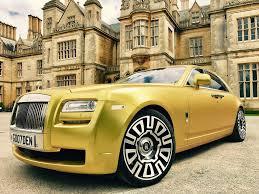 rolls royce white and gold gold rolls royce uk goldenfleetuk twitter