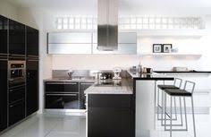 casanaute cuisine cuisine meubles noirs cuisine schmidt meubles noirs crédit photo