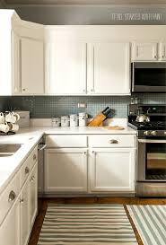 Ugly Kitchen Cabinets by Best 25 Builder Grade Kitchen Ideas On Pinterest Builder Grade