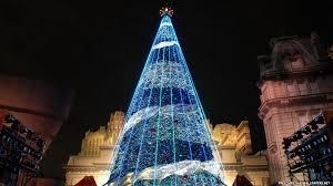 modern christmas christmas trees freechristmaswallpapers net