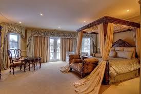 rideaux décoration intérieure salon stores rideaux cantonnières comment choisir le bon habillage de