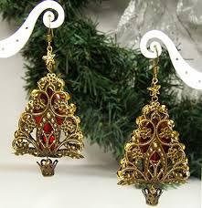 images of christmas earrings gold filigree diy christmas tree earrings allfreejewelrymaking com