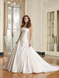 buy wedding dress 50 creative places to buy your wedding dress stylecaster