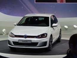 volkswagen geneva photo gallery vw golf at geneva auto show gallery wardsauto