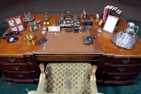 Oval Office Desk by Press Kit Fdr Presidential Library U0026 Museum
