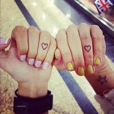 36 adorable fingers tattoos for best friends