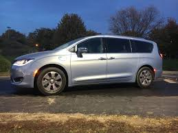 chrysler minivan 2017 chrysler pacifica hybrid is the best family car on the market