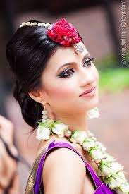 wedding flowers jewellery 124 bästa bilderna om flower accessories garlands mehendi flower