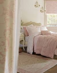 Shabby Chic Bedroom Images by Best 10 Cream Furniture Ideas On Pinterest Cream Living Room