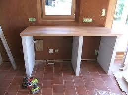 fabriquer une table bar de cuisine table haute plan de travail pied de plan de travail cuisine pied