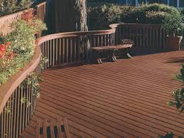 Trex Benches Decor U0026 Tips Curved Deck Railings With Bench And Trex Decking