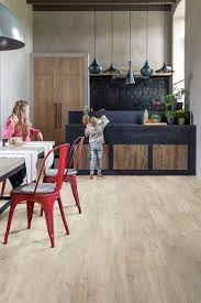 parquet dans une cuisine revêtement sol cuisine 19 modèles de sol pour une cuisine au top