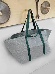 cómo puedes asistir a ikea maras con un presupuesto mínimo ikea moderniza su mítica bolsa azul