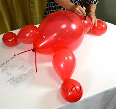 crawfish party supplies party ideas by mardi gras outlet create a crawfish balloon decoration