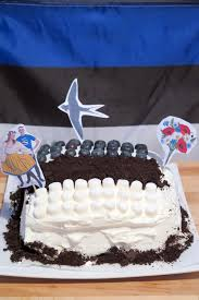 Estonian Flag A Cake To Celebrate Estonian Independence Day Toronto Cooks
