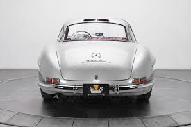 Classic Cars For Sale In Los Angeles Ca Mercedes Benz 300 Sl Gullwing Sells For 1 9 Million Marks Three