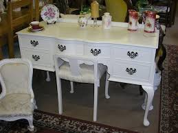White Painted Furniture Shabby Chic by 167 Best Shabby Chic Images On Pinterest Chabby Chic Vanity