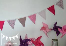 fanion chambre bébé guirlande fanions violet mauve décoration chambre enfant bébé