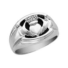 mens claddagh ring claddagh ring wedding rings ideas