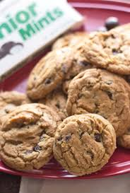 Door Is Whipped Mint By Junior Mints Chocolate Chip Cookies Its Yummi Bites Of Food And Life