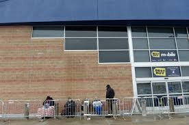 thanksgiving in line at best buy the daily gazette