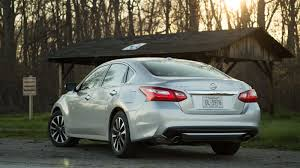 Nissan Altima Hybrid 2016 - nissan recalls 341 000 altimas for doors that might open at speed