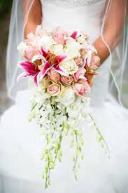 brides bouquet bridal bouquet meaning origin and symbolism everafterguide