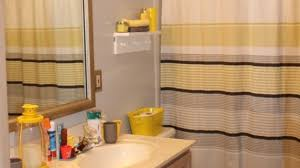 gray and yellow bathroom ideas yellow and gray bathroom best 25 yellow gray bathrooms ideas on