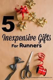 5 inexpensive gift ideas for runners